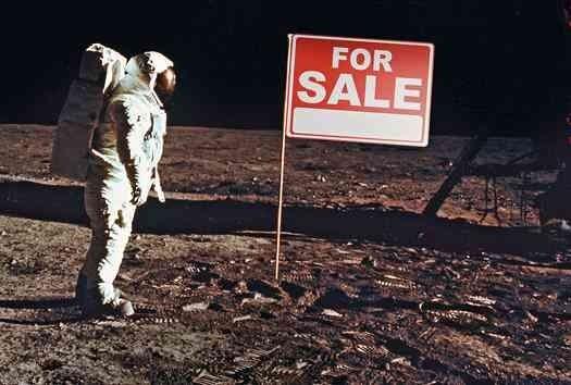 Měsíc na prodej -dokument