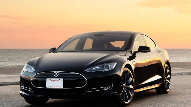 Megatovárny – Tesla model S -dokument