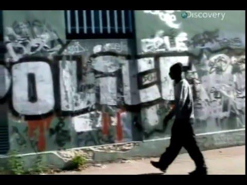 MacIntyre: Nejdrsnější města světa – Paríž -dokument