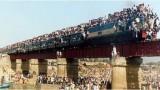 Nejdrsnější vlaky světa: Indie -dokument