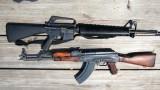 Kalašnikov versus M16 -dokument