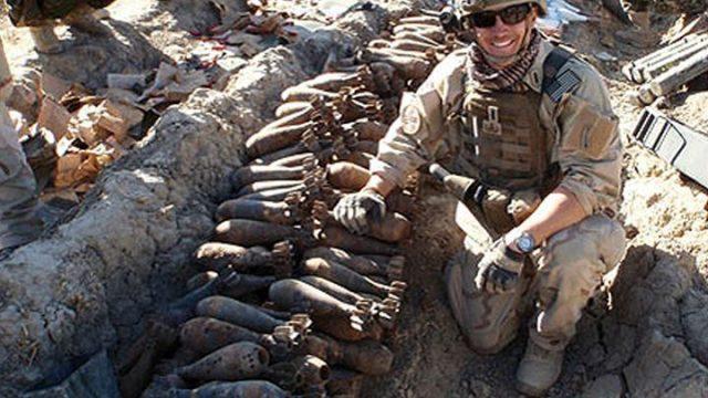 Pyrotechnická hlídka: Afghánistán / 16. Život s filmovým štábem -dokument
