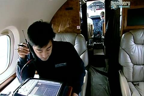 Bořiči mýtu: Mobilní telefony v letadlech -dokument