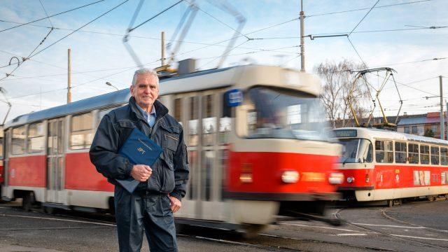 Jeden den s tramvají T-3 -dokument