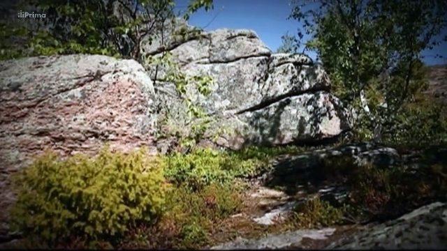 Země: Území záhad – Tajemstvi asoloveckych kamenu -dokument
